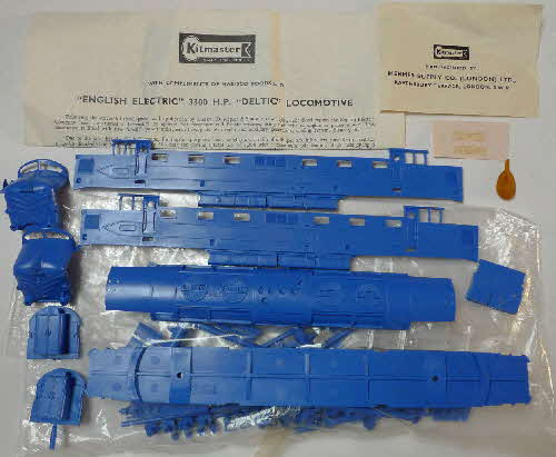 1962 Shredded Wheat Kitmaster English Electric Deltic Locomotive (1)