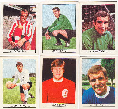 1970 Shredded Wheat Famous Footballers 3