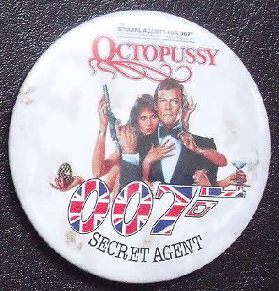 1983 Shredded Wheat James Bond 007 Octopussy Badge