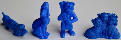 1971 Shreddies Aristocats Models - dark blue