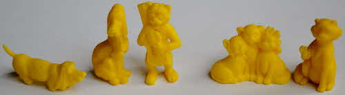 1971 Shreddies Aristocats Models - yellow
