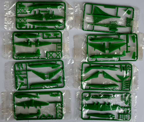1985 Cornflakes Airliner Model Kits - green mint