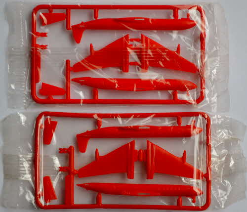 1985 Cornflakes Airliner Model Kits - variations mint Comet