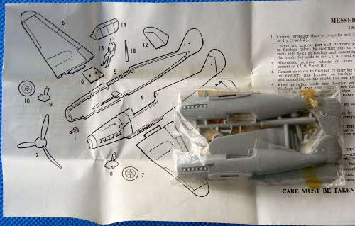 1960s Frosties WW2 Model Planes -Messerschmitt  (1)