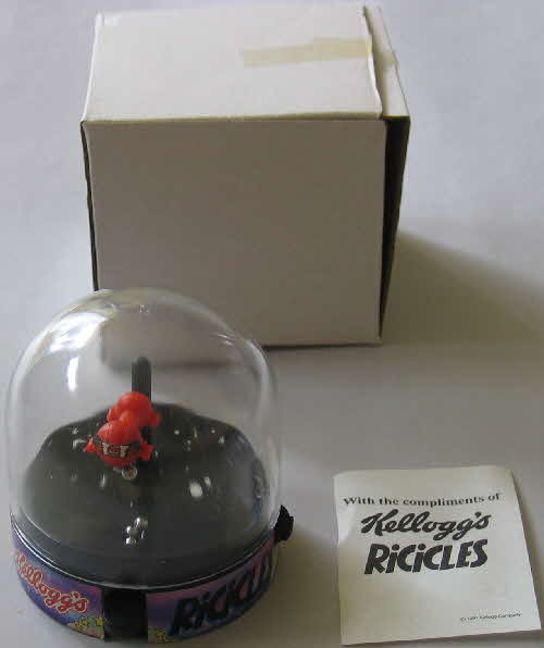 1991 Ricicles Captain Rik Space Ship Game (1)