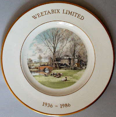 1986 50th Anniversary Wedgewood Ltd Edition plate (1)
