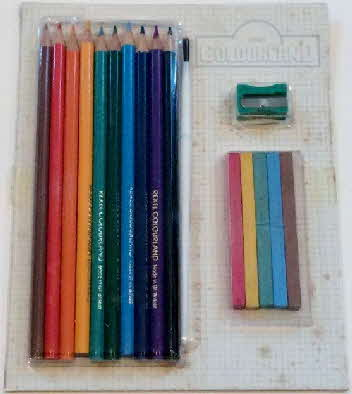 1984 Weetabix Colouring kit & pencils set  (2)